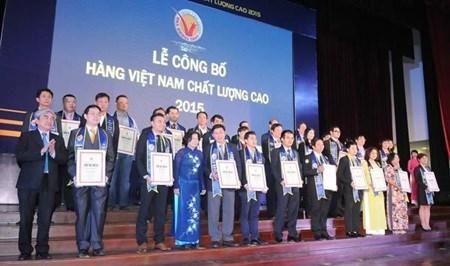 Vietnamese firms win high-quality award hinh anh 1