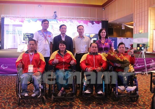 Powerlifters clinch two official tickets to Rio Paralympics hinh anh 1