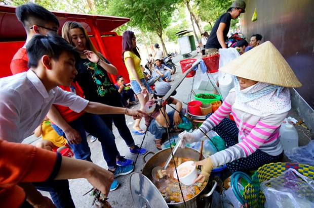 HCM City develops street food into tourist attraction hinh anh 1