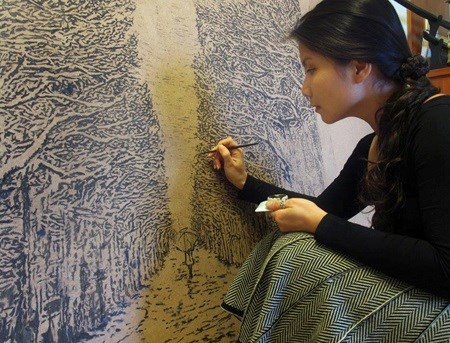 Vietnamese artist portrays 'strong women' in paintings hinh anh 1