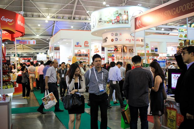Vietnamese firms join Food & Hotel Asia 2016 exhibition hinh anh 1