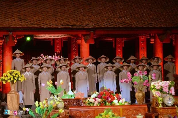 Ao dai festival shines in Hanoi hinh anh 1