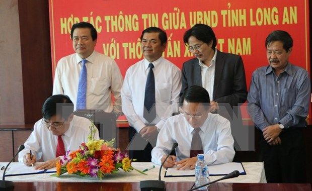 Vietnam News Agency, Long An strengthen communication cooperation hinh anh 1