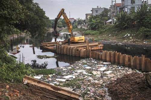 Hanoi tackles sewage in Nhue River hinh anh 1