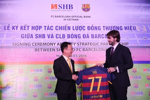SHB, Barcelona FC ink cooperation agreement hinh anh 1