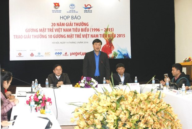 Vietnam's 2015 top 10 outstanding youths to be announced hinh anh 1