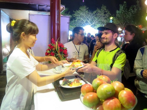 Hoi An International Food Festival opens hinh anh 1