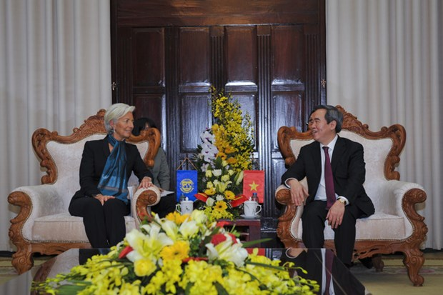 Central bank governor meets with IMF leader hinh anh 1