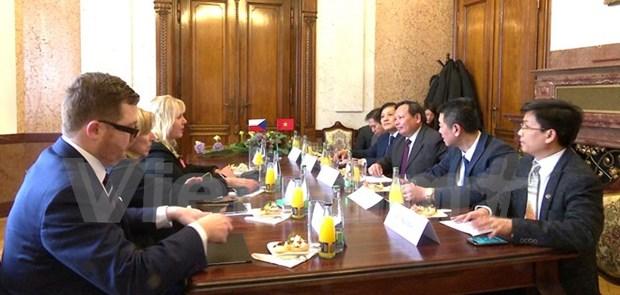Vietnam, Czech Republic boost tourism cooperation hinh anh 1