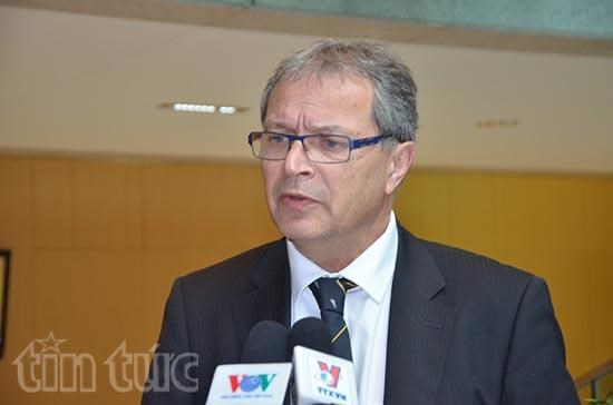 French top legislator's visit to tighten ties with Vietnam hinh anh 1