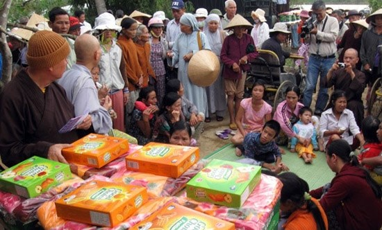 Some 20 percent of population needs financial support hinh anh 1