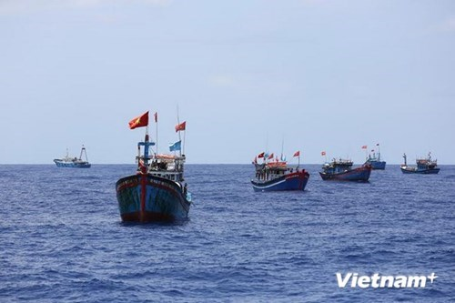 Outstanding East Sea research works awarded hinh anh 1