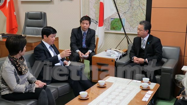 Vietnam, Fukushima prefecture step up relations hinh anh 1