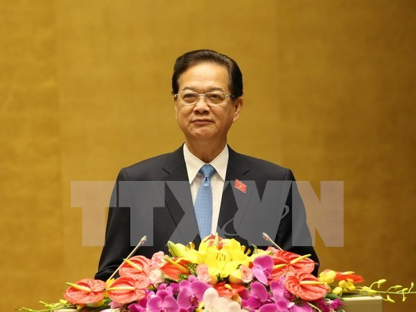 Government reports on attainments, flaws in five-year performance hinh anh 1