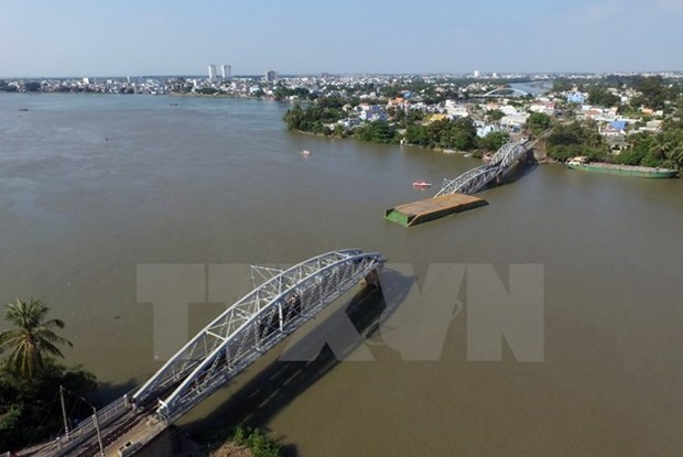 Nearly 300 bln VND allocated for Ghenh bridge repairs hinh anh 1
