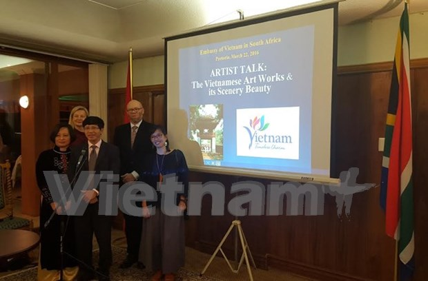 Vietnam's fine arts introduced in South Africa hinh anh 1