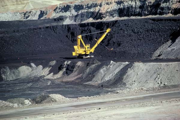 Coal mining industry vows shift towards sustainability hinh anh 1