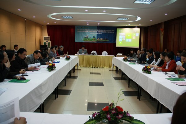 Vietnam needs a strong shift to renewable energy: workshop hinh anh 1