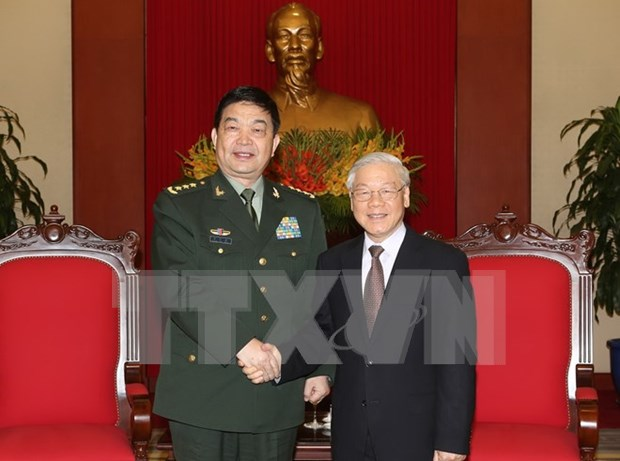 Party chief receives Chinese defence minister hinh anh 1