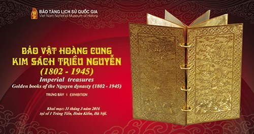 Nguyen Dynasty gold books on display hinh anh 1