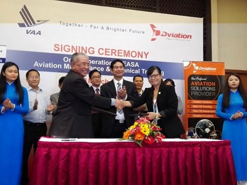 Vietnam signs deal with Malaysia academy for aviation training hinh anh 1