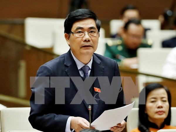 Minister pledges greater efforts to ensure food safety hinh anh 1