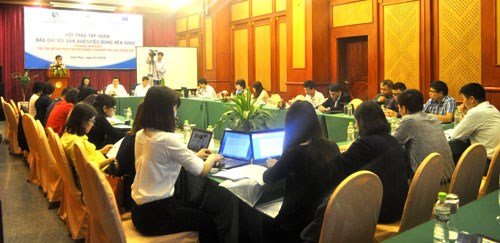 Workshop highlights media's role in sustainable production hinh anh 1