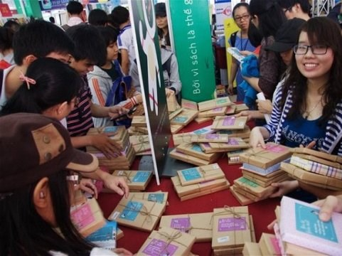 Third Vietnamese Book Day opens in Ninh Binh province hinh anh 1
