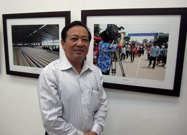 Photo exhibition on Laos opens in Nghe An hinh anh 1