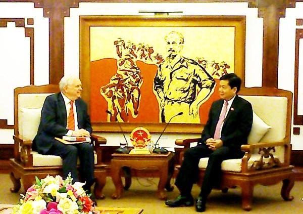 HCM City pledges to back Fulbright University Vietnam hinh anh 1