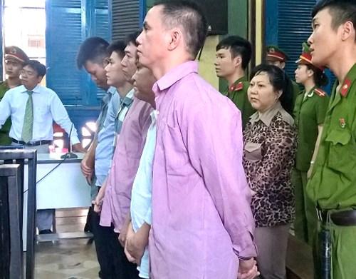HCM City: two men receive death sentences for drug smuggling hinh anh 1