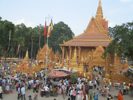 New Year wishes sent to Khmer dignitaries, monks hinh anh 1