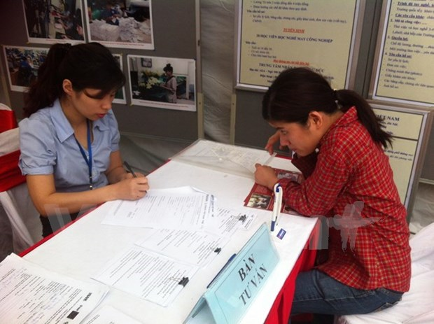 Job fair gives hope to people with disabilities hinh anh 1