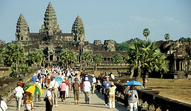 Cambodia sees 2.5 million travellers during Khmer New Year festival hinh anh 1