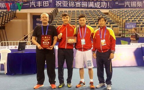Vietnam wins bronze medal at Asian fencing tourney hinh anh 1