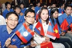 Vietnamese, Lao youths enhance links hinh anh 1