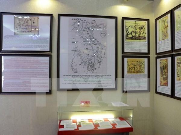 Exhibition on Hoang Sa, Truong Sa comes to Tien Giang hinh anh 1