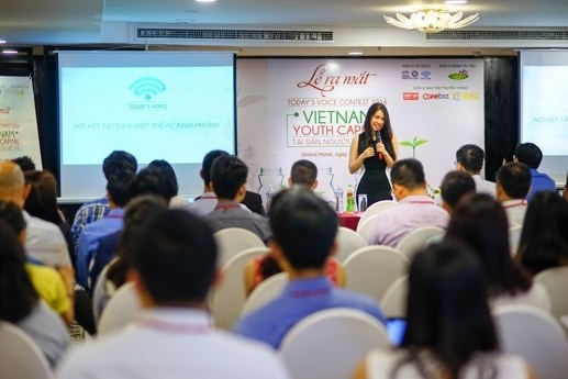 Today's Voice Contest for Vietnamese youth begins hinh anh 1