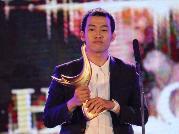 Songwriter Duc Hung scores hat-trick at Devotion Music Awards hinh anh 1