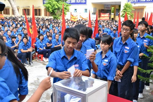 Khanh Hoa youths turn hearts to nation's sea, islands hinh anh 1