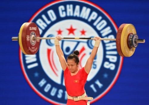 Huyen wins silver at Asian weightlifting championships hinh anh 1