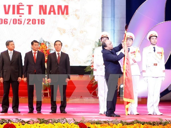 Central bank praised for 65-year development achievements hinh anh 1