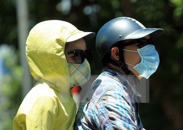 More children, elderly sick as temperatures rise hinh anh 1
