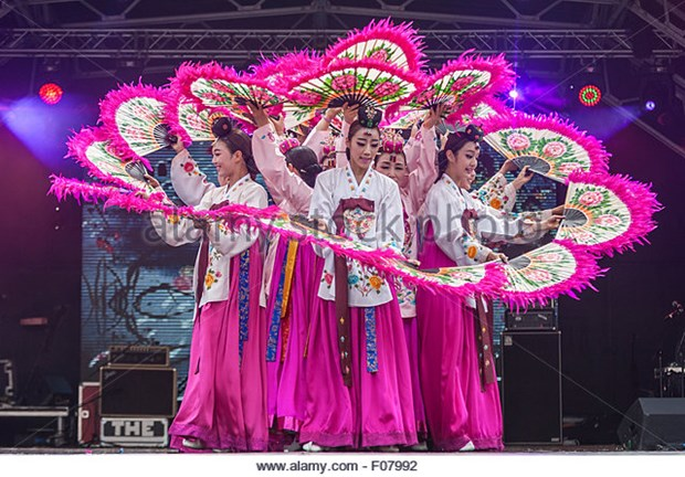 RoK's traditional dances to charm Vietnamese audience hinh anh 1