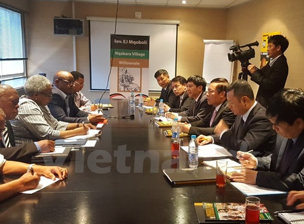 Vietnam, South Africa boost communication cooperation hinh anh 1