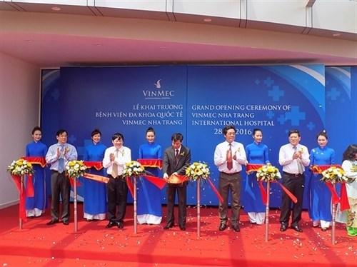 Luxury Vingroup hospital opens in Khanh Hoa hinh anh 1