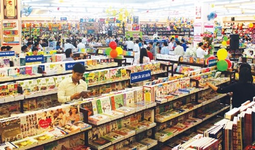 Fahasa opens 84th bookshop in HCM City hinh anh 1