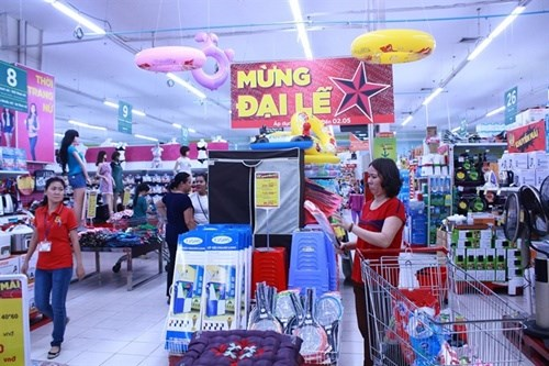 Retailers roll out promotions hinh anh 1