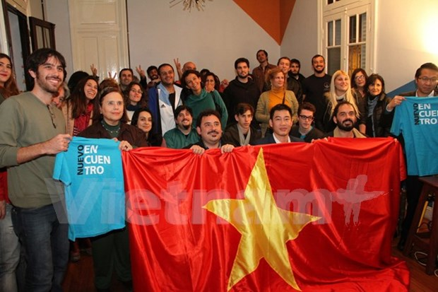 National Reunification Day observed in Argentina, Angola hinh anh 1