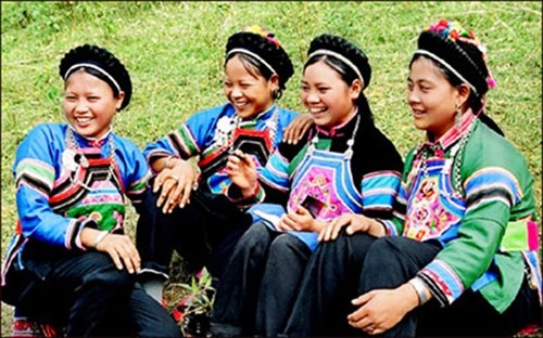 Class on Bo Y ethnic group opens in Lao Cai hinh anh 1